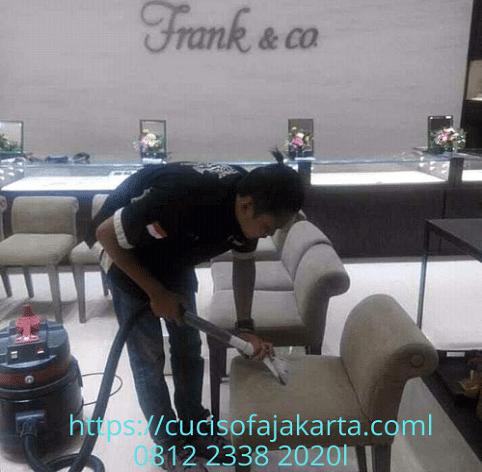 Jasa Cuci Sofa Jakarta Pusat