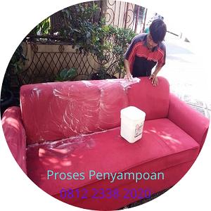 Proses penyampoan jasa cuci sofa jakarta selatan